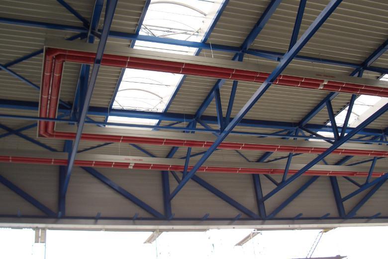 circuito radiante installato in hangar