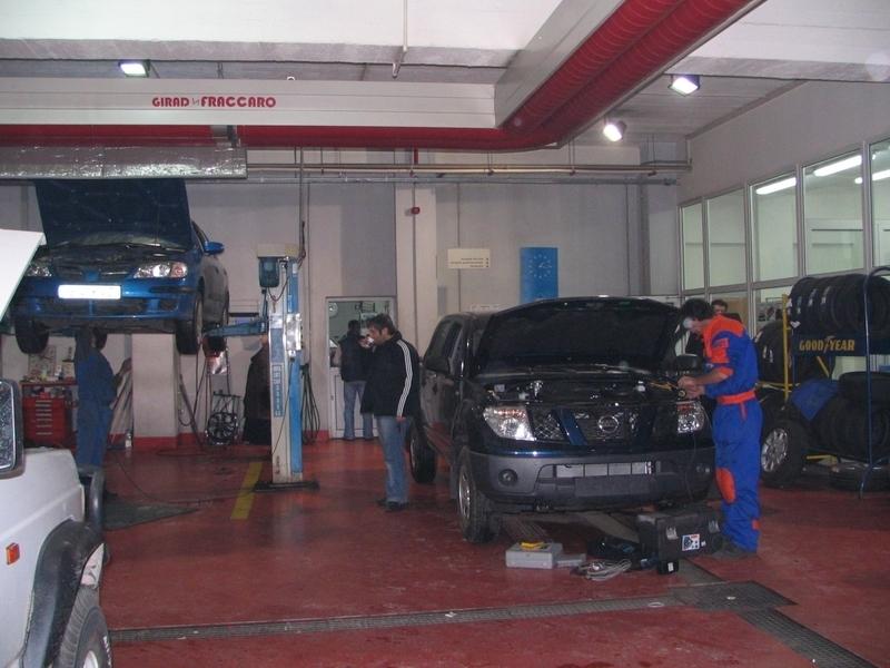 Dettaglio circuito girad Fraccaro installato nella concessionaria Nissan in Romania