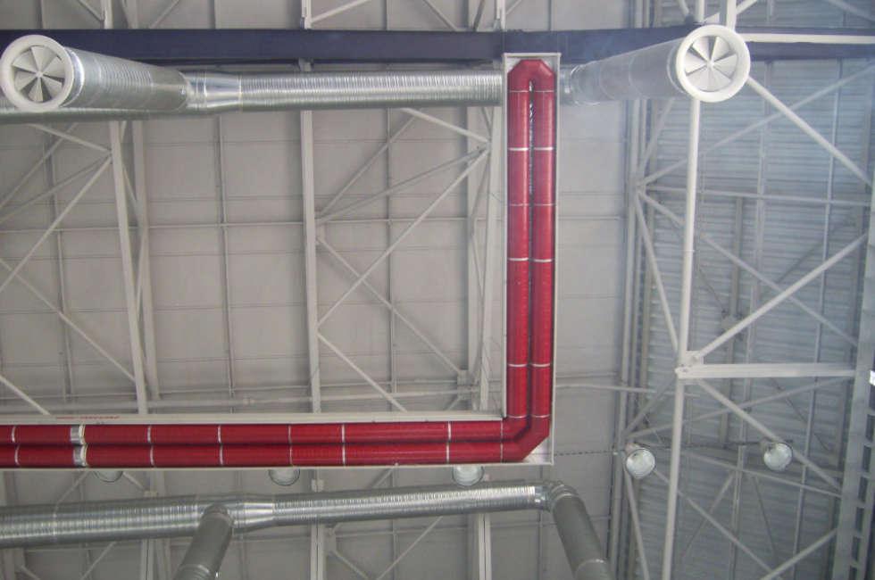 Dettaglio impianto di riscaldamento a nastri radianti Fraccaro