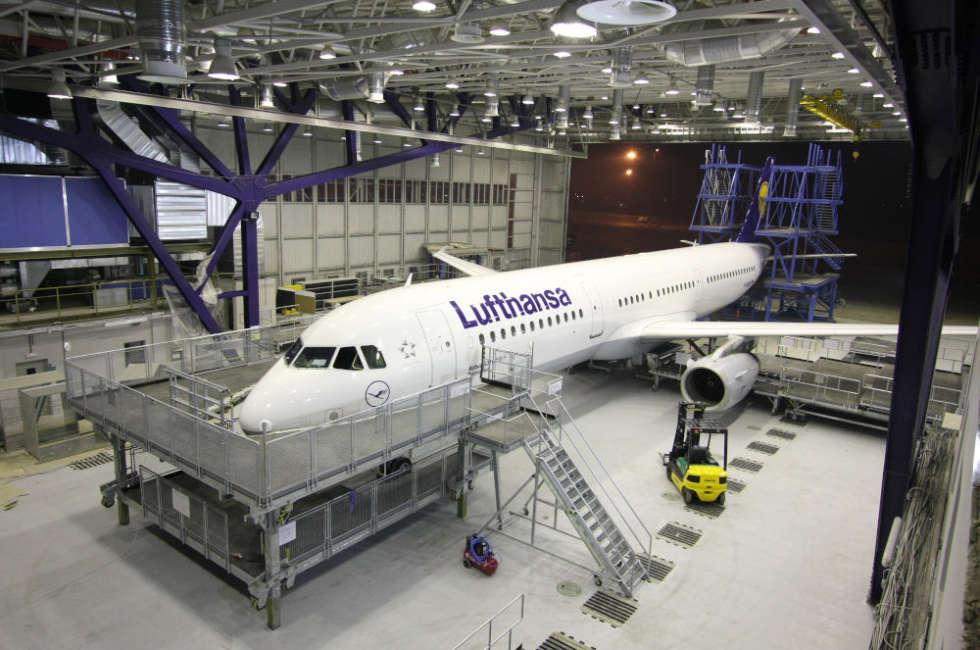 Hangar Lufthansa in Bulgaria riscaldato con nastri radianti girad Fraccaro