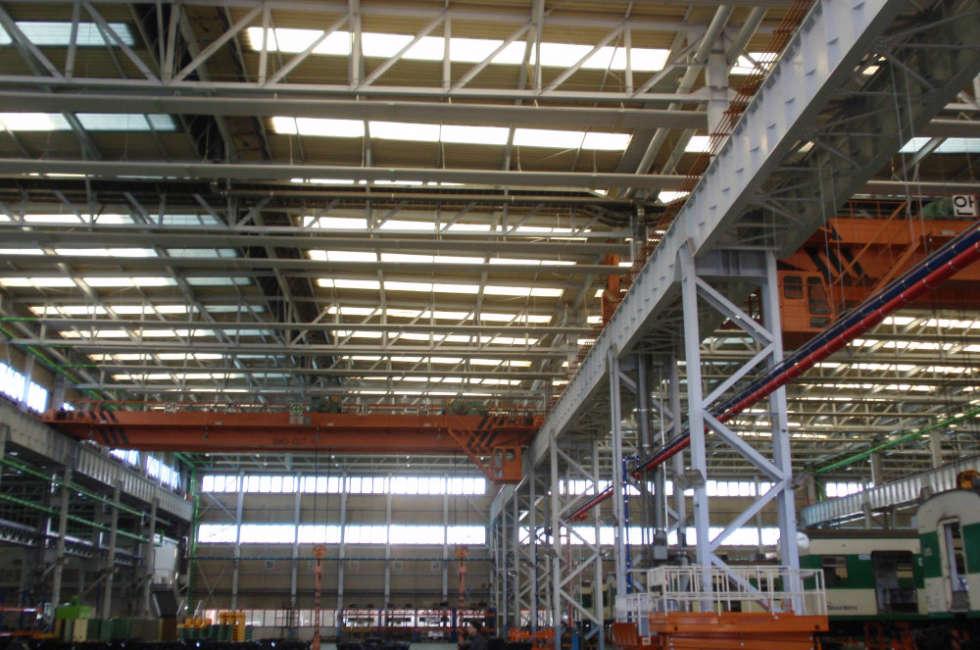 Impianto radiante a soffitto waterstrip Fraccaro per il riscaldamento di grandi ambienti